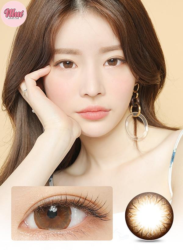Màu lens nâu sáng phù hợp với phong cách trang điểm