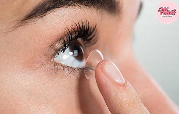 Trên đây là những bí quyết để tránh đeo lens bị đỏ mắt
